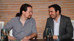 La llamativa imagen de Alberto Garzón junto a Pablo Iglesias: nadie se puede fijar en