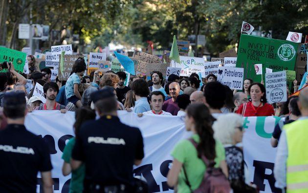 Miles de personas se echan a las calles para exigir 'justicia climática
