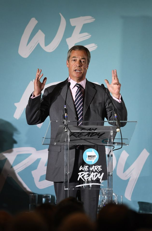 Police Investigating After Nigel Farage Tells Crowd Well Take A Knife To Whitehall Pen-Pushers