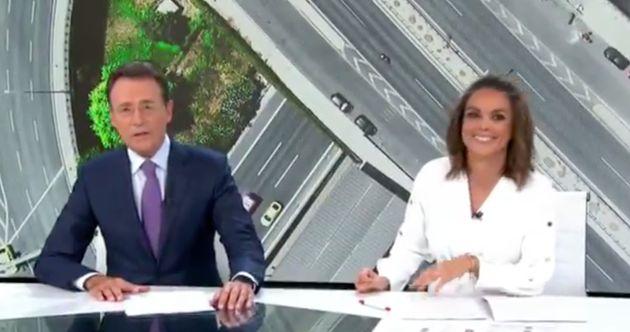 Matías Prats y Mónica Carrillo, presentadores de 'Antena 3 Noticias Fin de