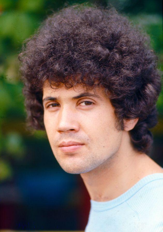 A close-up of Italian singer-songwriter Lucio Battisti. Italy, 1975. (Photo by Archivio TV Sorrisi e...