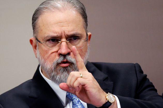 5d8f88b52100005b00fcf1f0 - Aras diz que revelações de Janot são 'inaceitáveis', mas não mancham o Ministério Público