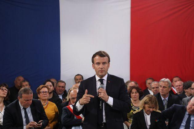 Six mois après avoir refermé le grand débat national en Corse, Emmanuel Macron lancera...