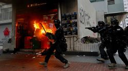 Χονγκ Κονγκ: Νέα επεισοδιακή διαδήλωση με δεκάδες