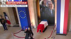 Les selfies devant le cercueil de Chirac ulcèrent les réseaux