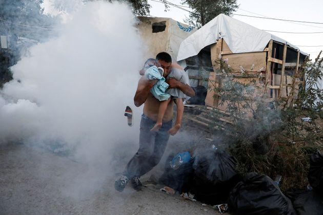 Φωτιά στον καταυλισμό της Μόριας: Δύο νεκροί και εκτεταμένα