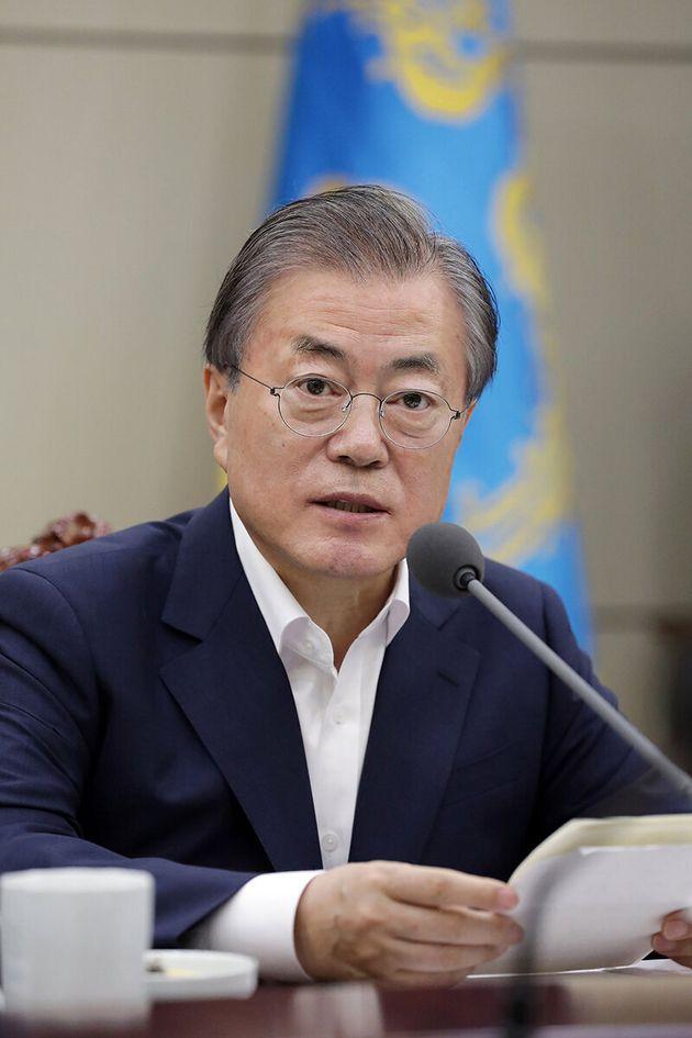 문재인 대통령이 윤석열 총장에게 검찰개혁 방안 마련을 직접 지시한 것은