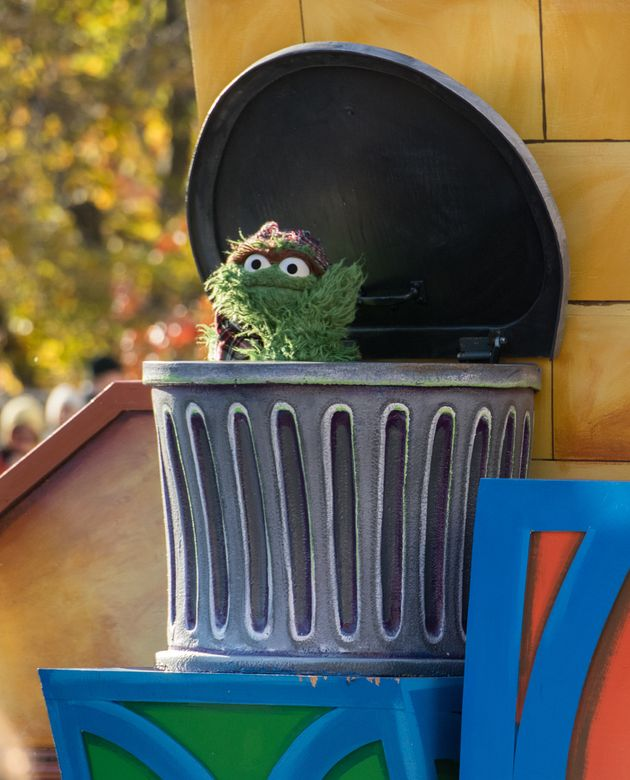 NEW YORK, NY - NOVEMBER 23: Oscar the Grouch attends the 91st Annual Macy's Thanksgiving Day Parade on...