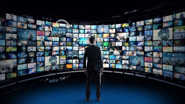 Nella lotta dello streaming sempre più serie tv, sempre meno