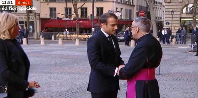 Emmanuel Macron à l'Eglise