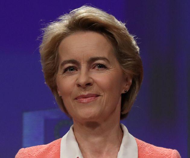 Due problemi per Ursula: il Parlamento Ue boccia i commissari di Romania e