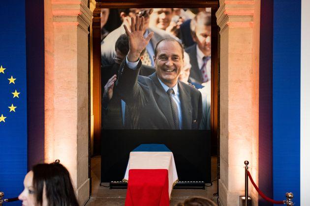 Le cercueil de Jacques Chirac aux Invalides, dimanche 29