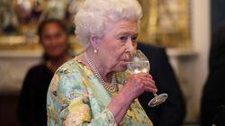 Lo staff della Regina spiega il trucco per assicurarsi che nessuno avveleni la sua
