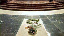 El Gobierno baraja exhumar a Franco en la madrugada del 6 al 7 de