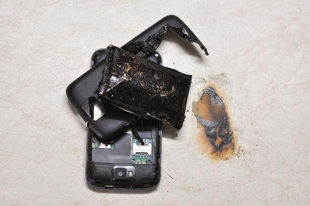 Καζακστάν: Τραγικός θάνατος για 14χρονη - Εξερράγη το κινητό της την ώρα που