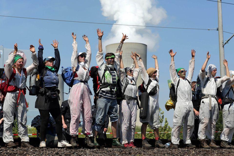 Γιατί το μεγαλύτερο επιφανειακό ορυχείο λιγνίτη της Ευρώπης έχει μετατραπεί σε πεδίο