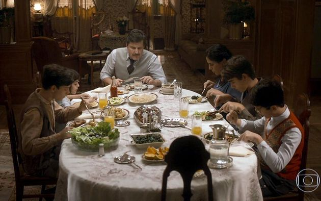 Júlio (Antonio Calloni) e família na trama de