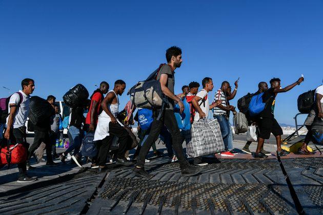 Περισσότεροι από 200 πρόσφυγες από τη Μόρια στον
