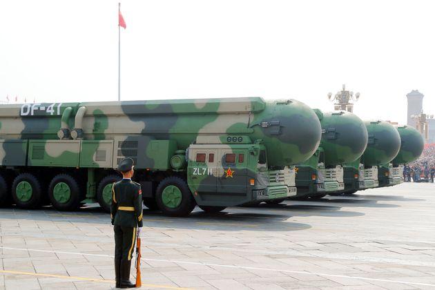 Το Πεκίνο σε πλήρη εγρήγορση για τη μεγαλύτερη στρατιωτική παρέλαση στην ιστορία της