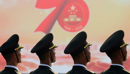 [화보] 중국이 건국 70주년 대규모 열병식에서 군사력을