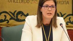 La alcaldesa de Móstoles cesa a su directora de