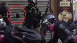 La polizia spara al petto un manifestante a Hong Kong: è gravissimo