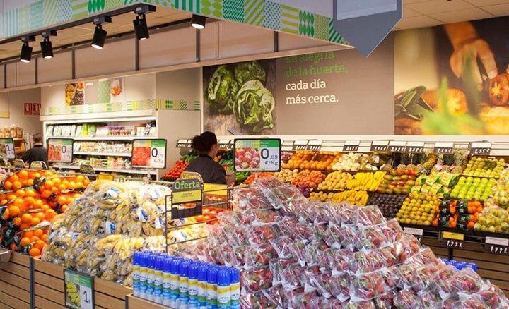 Sección de frutería del supermercado La Plaza de Dia