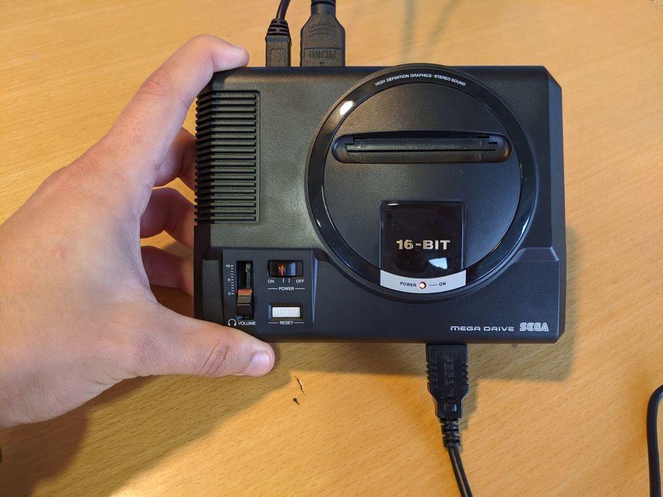 La Mega Drive Mini est 55% plus petite que la console