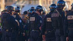 Les policiers défilent à Paris pour une