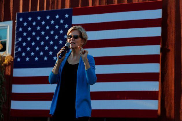 La aspirante a candidata demócrata Elizabeth Warren durante un acto de