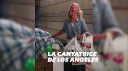 Cette vidéo d'une cantatrice sans-abri à Los Angeles a suscité un vent de