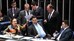 Senadores retiram mudança sobre abono salarial da reforma da