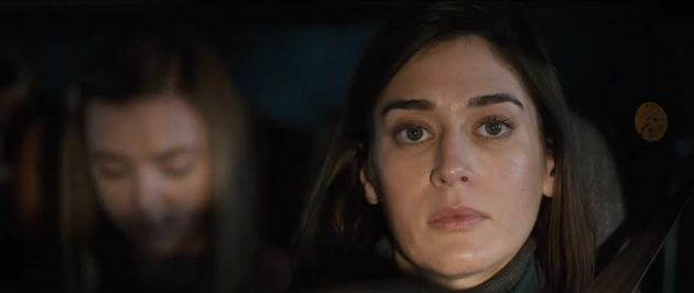 Elsie Fisher and Lizzy Caplan in