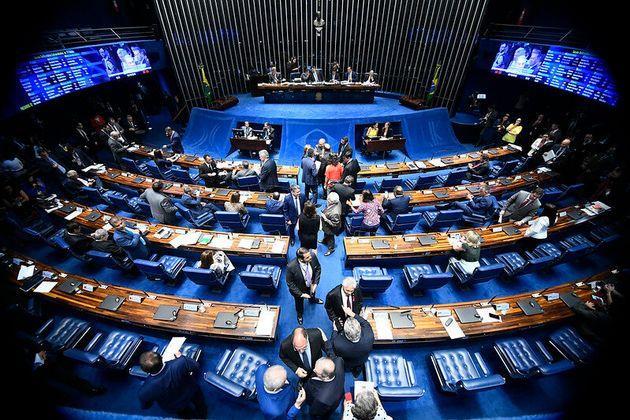 Quanto às regras eleitorais aprovadas em setembro, a versão final votada pelo Congresso...