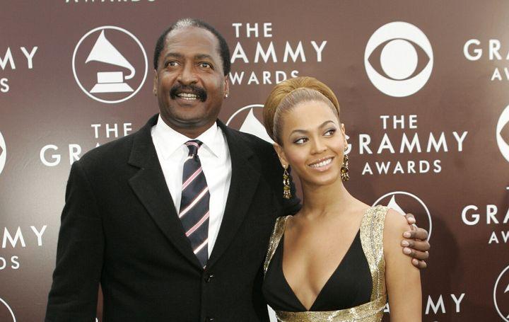 Matthew Knowles, ici en 2005 avec sa fille Beyonce, a annoncé être touché par un cancer du sein.