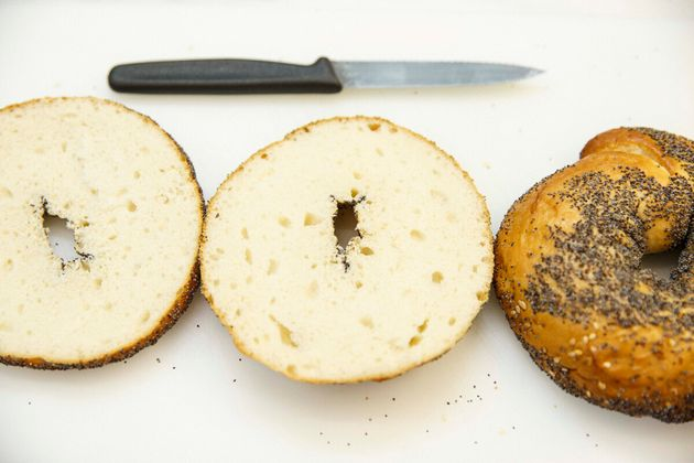 Bagel με Super Spread Μπισκότο & Ταχίνι και φρούτα του δάσους για μικρούς και
