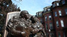 Οι Προγραμματιστές Είναι Καταστροφή, Η Κληρονομιά Του Ένα Μαύρο Εικονίδιο Στη Βοστώνη