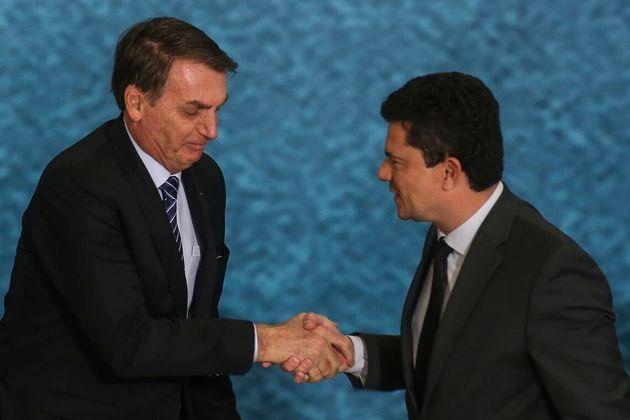 Presidente Jair Bolsonaro e o ministro da Justiça e Segurança Pública, Sergio Moro, participam do lançamento...