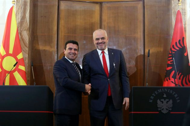 Κάλεσμα ΕΕ σε Βόρεια Μακεδονία και Αλβανία για ενταξιακές