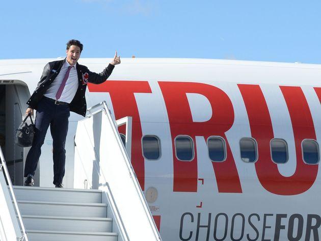 Liberal Leader Justin Trudeau boards his campaign plane in Ottawa on Sept. 29,