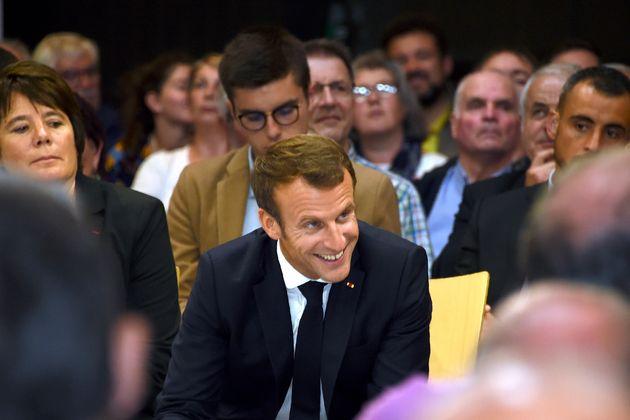 Emmanuel Macron jeudi soir à Rodez lors du premier grand débat sur les