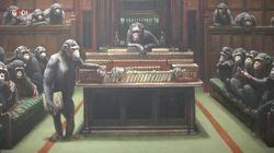 Gli scimpanzé-parlamentari di Banksy valgono 11,1 milioni di euro: l'opera battuta