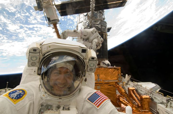 Nasa astronaut Mike Massimino pictured on May 17, 2009. REUTERS/NASA/Handout
