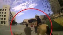In Texas la polizia lega e trascina con un cavallo un afroamericano con disturbi mentali