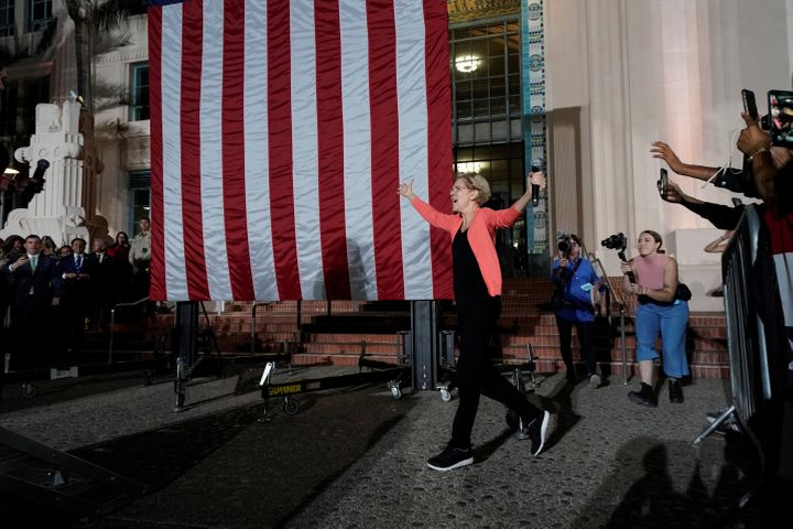 U.S. democratic presidential candidate Elizabeth Warren arrives at an outdoor rally in San Diego on Oct. 3, 2019.