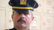 Juri Deadlock Dalam Sidang Pertama Perwira Polisi Didakwa Dengan Federal Kejahatan Rasial Dalam Satu Dekade