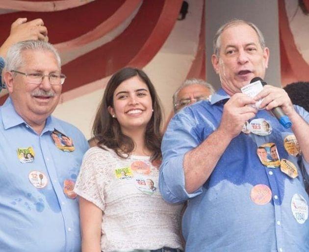 Deputada Tabata Amara e ex-ministro Ciro Gomes em evento durante a campanha eleitoral em outubro de