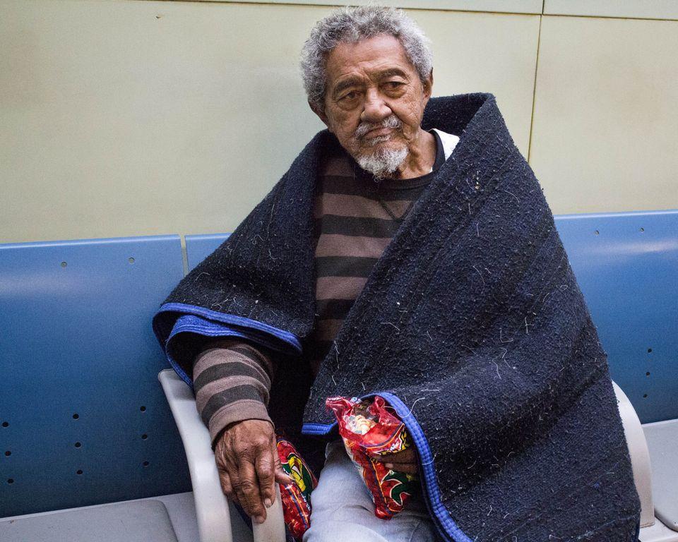 Francisco prefere dormir no terminal do Tietê a ir par albergues de São