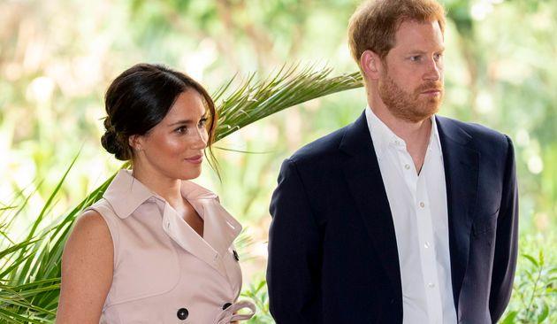 Le prince Harry, ici avec Meghan Markle le 2 octobre à Johannesburg, a déposé de...