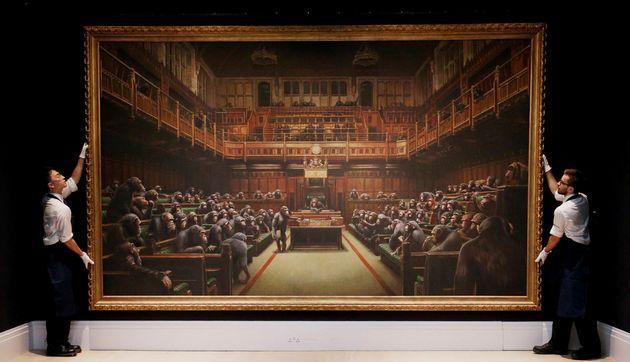 10月4日、サザビーズで約990万ポンド(約13億円)で落札された、バンクシー《Devolved Parliament (